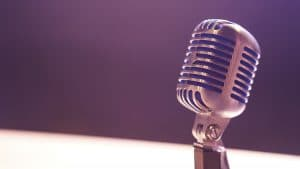 Image of a microphone | Use podcasts to gain high quality backlinks | SEO for Therapists